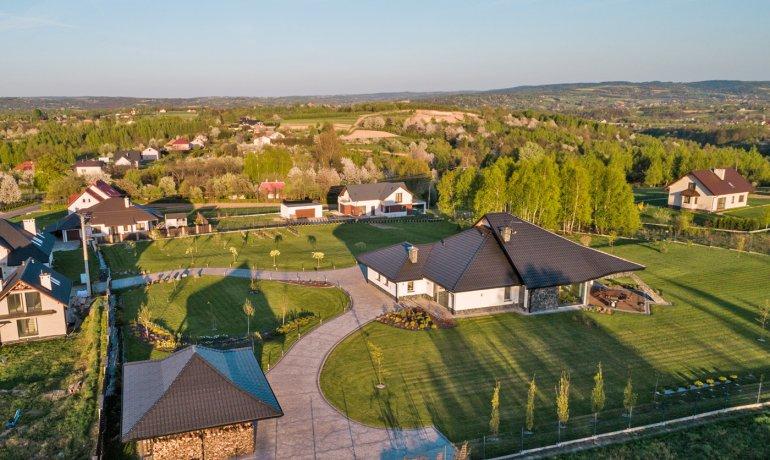 dom-jednorodzinny-dachowka-stalowa-blachodachowka-panorama-balex-4